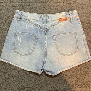 ROXY High-Waisted Button Shorts